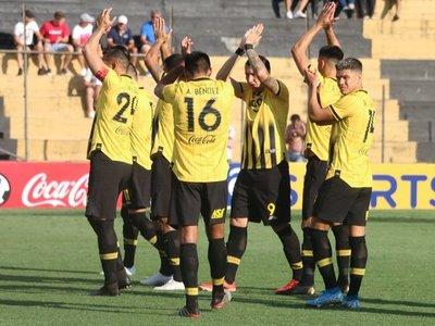 Guaraní juega ante San José y la altura