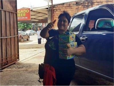 Vendedora de caramelos sueña con festejar cumple de su hijito