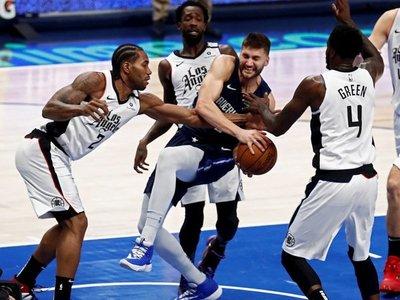 En un duelo parejo los Clippers se llevan la victoria ante los Mavs