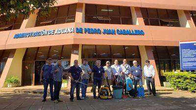 Funcionarios de aduanas se suman a lucha contra el dengue
