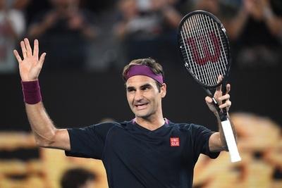 Djokovic y Federer avanzan a la tercera ronda en Melbourne