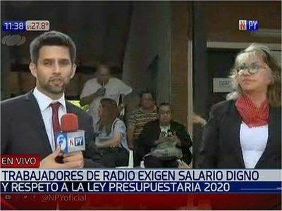 Funcionarios de Radio Nacional exigen salarios justos