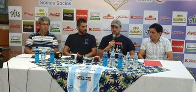 Guaireña presenta al goleador histórico