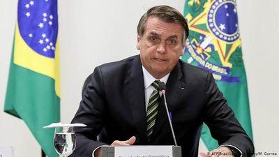 Bolsonaro dice que no dará más entrevistas para no agredir