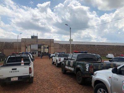 """Los presos fugados están refugiados en """"zonas liberadas"""", dice Acevedo"""