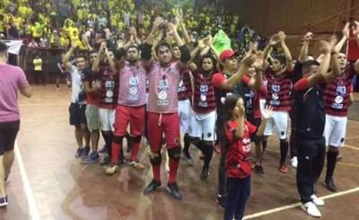Minga Guazú y Paranaense debutan con victorias