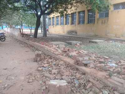 Escolares iniciarán año sin muralla reconstruida