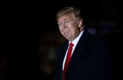 Trump arremete contra su juicio político en el Senado