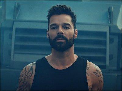 Ricky Martin estrena mundialmente su nuevo sencillo y video Tiburones
