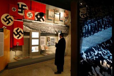 Fustigan a Irán durante un acto por el Holocausto