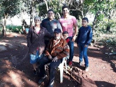 FUE ABANDONADO Y DESPUÉS DE 24 AÑOS SE REENCONTRÓ CON SU HERMANA