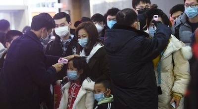 Crece la cifra de víctimas del coronavirus en China: 26 muertos y 876 infectados