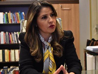 """Fuga de reos: Ministra reconoce que hubo """"teléfono cortado"""" con la Fiscalía"""