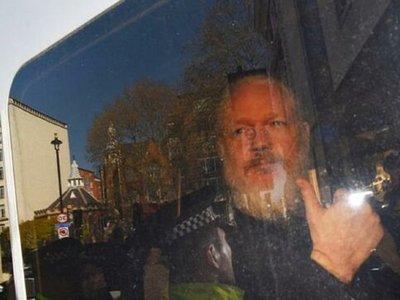 Trasladan a Julian Assange a zona donde estará con otros presos