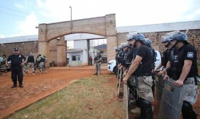 HOY / Corrupción e ineficacia del  gobierno desata crisis en las  cárceles, afirma Codehupy