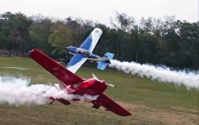 Invitan a observar un espectáculo aéreo de pilotos argentinos en la Costanera