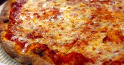 Cárcel para repartidor que escupió en la pizza