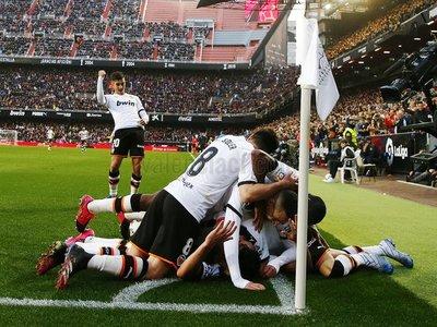 El Valencia recupera su mejor versión y tumba al Barcelona