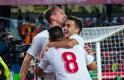 Sevilla triunfa y se afianza en zona de Champions League