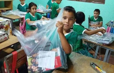 MEC entrega 100 % de kits escolares en San Pedro