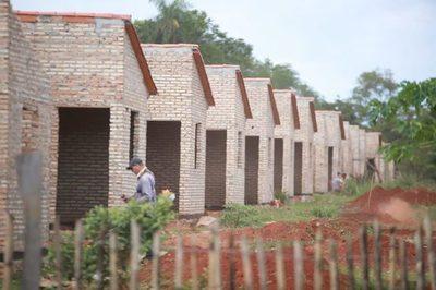Organizaciones sociales piden mayor presupuesto para reducir déficit habitacional