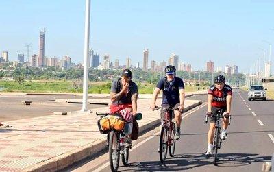 Paraguayo recorrerá 25.000 kilómetros en bicicleta para promocionar su país