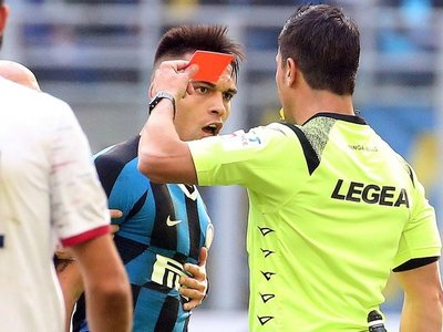 El Inter tropieza con el Cagliari y pierde a Lautaro por expulsión
