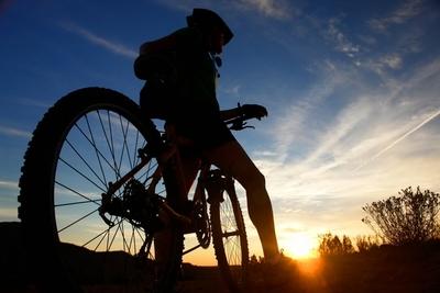 Paraguayo recorrerá 9 países en bicicleta