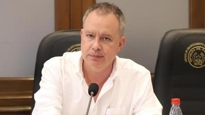 Senador insta a municipios ayudar a taxistas a mejorar servicios