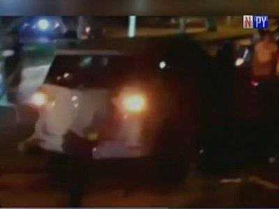 Motociclistas golpean brutalmente a un automovilista en San Antonio