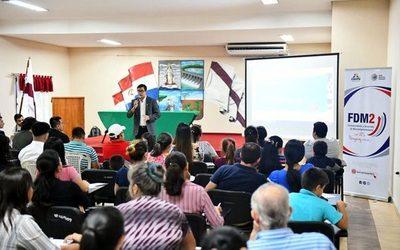 "Realizan taller de difusión del concurso  ""Con vos Paraguay Crece"""