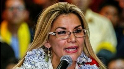 Bolivia: Áñez pide la renuncia de todos sus ministros