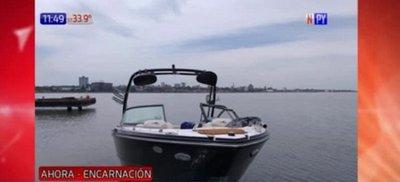 Embarcación choca contra una boya en costanera de Encarnación