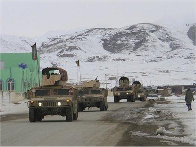 Talibanes se atribuyen derribo de avión de inteligencia de EEUU en Afganistán