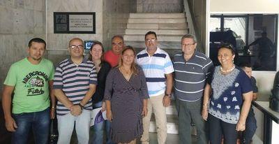 Judiciales acampan en Palacio de Justicia