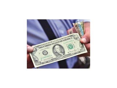 Denuncian que los bancos inyectan dólares deteriorados