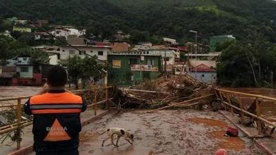 Asciende a 54 la cifra de muertos por inundaciones en Brasil