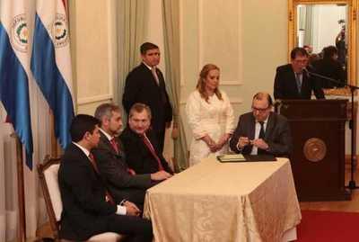 Concretan histórica transferencia de 68.000 hectáreas a favor del Indert