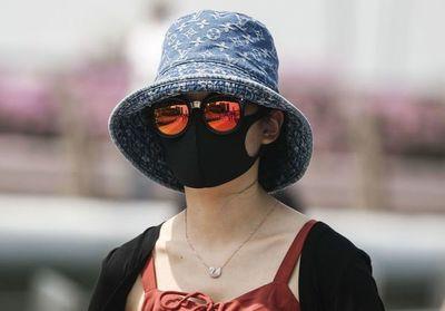 Más de 100 muertos por el virus en China, los extranjeros se preparan para huir