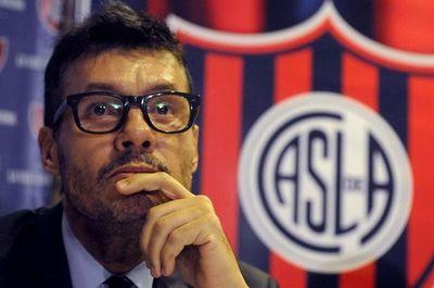 Lamentan la designación de Macri en FIFA