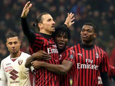 Calhanoglu e Ibrahimovic llevan al Milan a semifinales de la Copa Italia