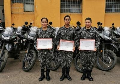 Entrenadoras y agentes del Grupo Lince recibieron reconocimiento