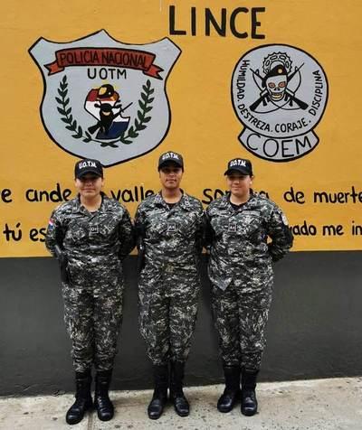 Grupo Lince incluyea las primeras tres agentes mujeres
