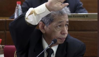 HOY / Dos diputados paraguayos regresaron de Taiwán y fueron al Congreso