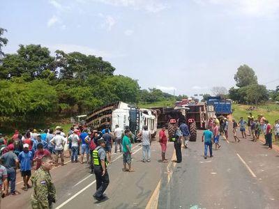 Grave accidente de tránsito deja 4 fallecidos