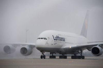 Grandes aerolíneas empiezan a cancelar sus vuelos a China por el coronavirus