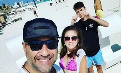 Roberto Pérez de vacaciones con sus hijos