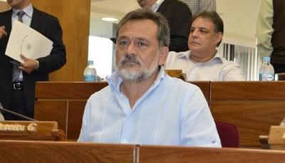 """Conflicto Soares-Ferreiro: """"No tenemos vela en ese entierro"""", afirma senador"""