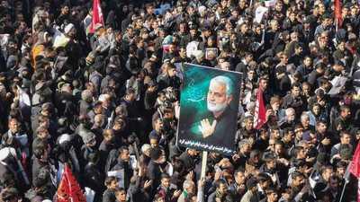 Decenas mueren en estampida humana en funeral de general iraní muerto por EEUU
