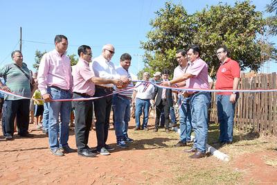 Presidente de Ande y Rubén Rojas firman convenio para congraciarse con usuarios